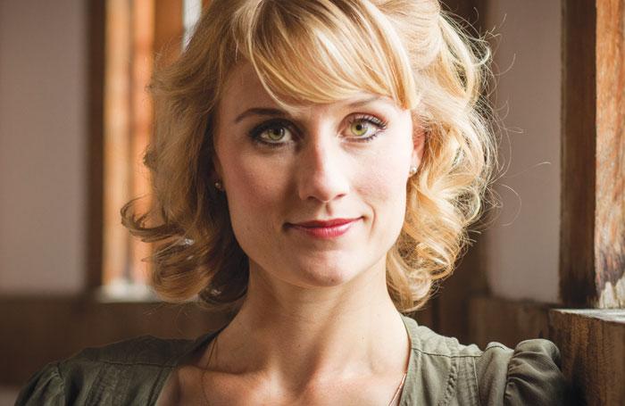 Portrait von Jessica Swale